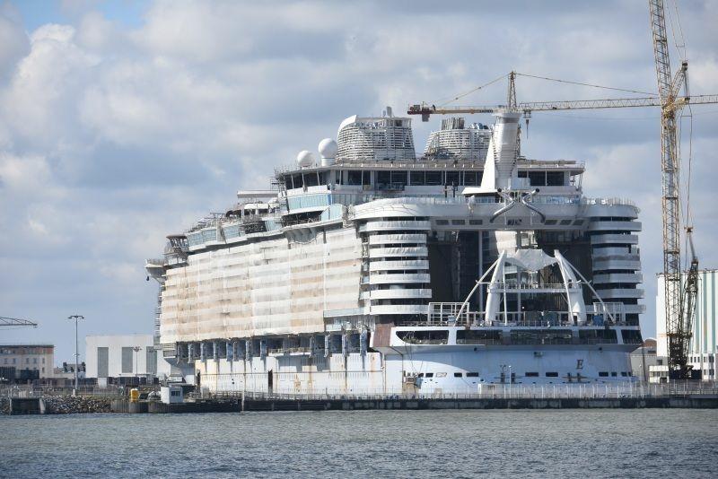 �'Ҽ��ձ����� Royal Caribbean Cruise ������� Symphony of the Seas ��������������������������� ���к�+����16����������������֮�� 2018��4��23�ձ������� �������ǵǴ� ���߱��:7718042311