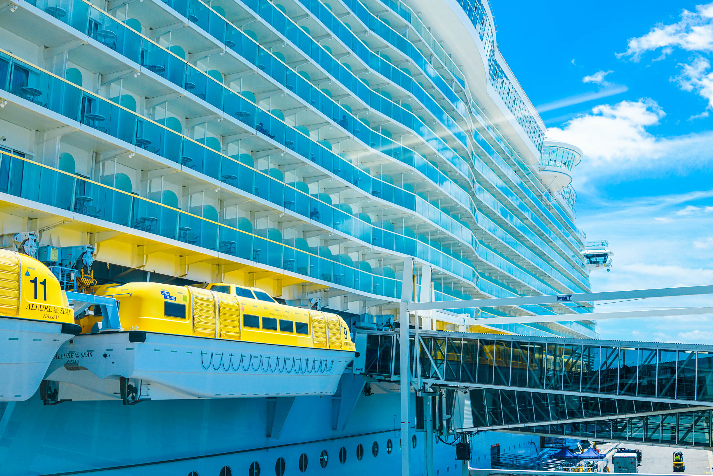 �'Ҽ��ձ����� Royal Caribbean Cruise ���������� Allure of the Seas ��ʯ������١���������ҹ�԰+�����ձȺ�����15���������� 2018��4��30�ձ������� �����ܵǴ� ���߱��:7718043011