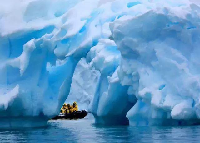�²�̽�չ�˾ Albatros Expeditions �����������ٺ� Ocean Atlantic ��Խ�ϼ�Ȧ19������̽�� 2020��2��7�ձ������� ����ŵ˹����˹�Ǵ� ���߱��:7720020711